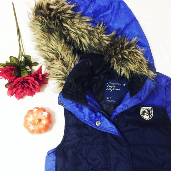 American Eagle Outfitters Jackets & Blazers - American Eagle Outfitters Fur Hooded Vest